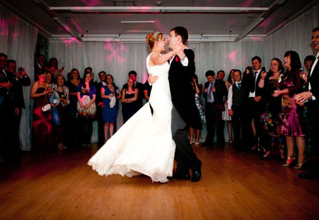 Love this classic first dance